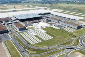 Flughafen Berlin schließt Terminal wegen Flaute