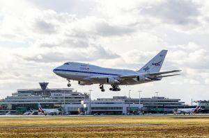 Flugzeug mit Großteleskop SOFIA am Köln Bonn Airport