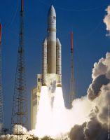 Ariane 5 legt 56. erfolgreichen Start in Folge hin