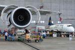 Auszubildende zerlegen Lufthansa Vickers Viscount 814