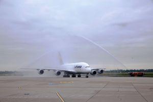 Flugzeugtaufe einer A380 der Lufthansa auf den Namen Düsseldorf