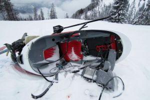 Selbstbau-Hubschrauber verunfallt bei Landung im Schnee
