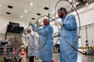 Schiff-Ortung aus dem All: AISat lauscht bald mit Helix-Antenne