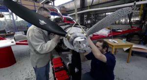 Kamera zeigt erstmals Verformungen am Flugzeug-Propeller im Flug