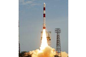 AISat zur Schiffs-Ortung ins All gestartet