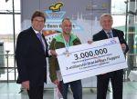 3-millionster Passagier bei Ural Airlines - Ein Freiflug und Torte für alle
