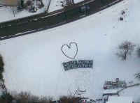 Heiratsantrag aus der Hubschrauberperspektive