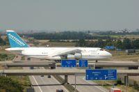 Antonov 124 bringt Kampfhubschrauber nach Afghanistan