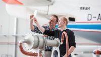 Löcher und Sauger sparen Flugzeug-Treibstoff