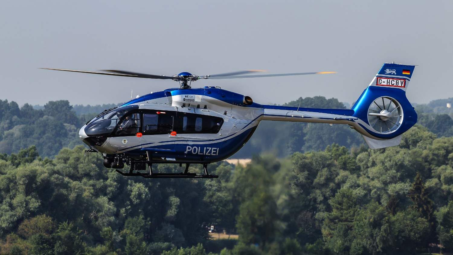 airbus helicopters donauwörth with Modernster Polizeihubschrauber H145 Fliegt In Baden Wuerttemberg on 653380 together with First Picture Nh90 Sea Lion For Germany also Tmb 2016 Airbus Helicopter Deutschland In Donauworth together with H145 likewise 428284.