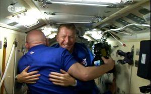 Brite Tim Peake auf der Raumstation ISS angekommen