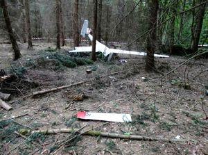 Motorsegler stürzte beim Landeanflug in den Wald