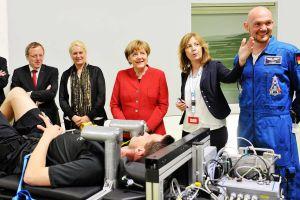 Angela Merkel beim EAC und DLR in Köln