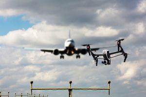 Piloten wollen bessere Kontrolle für Drohnen und UAV
