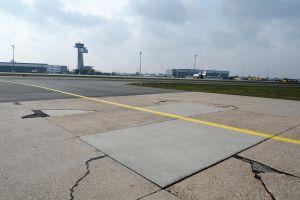 Taxiway Delta am Flughafen Nürnberg komplett erneuert