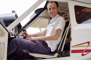 Ehrenamtliche Fluglehrer lassen Schüler starten