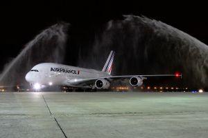 A380 fliegt ersten kommerziellen Flug nach Rio de Janeiro