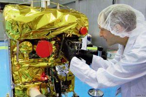 Feuer finden aus dem All: DLR startet Picosatelliten