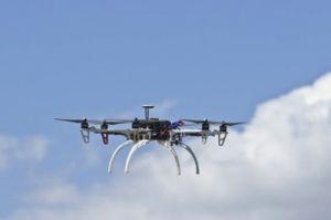 Flughäfen zum Fluch und Segen von Drohnen