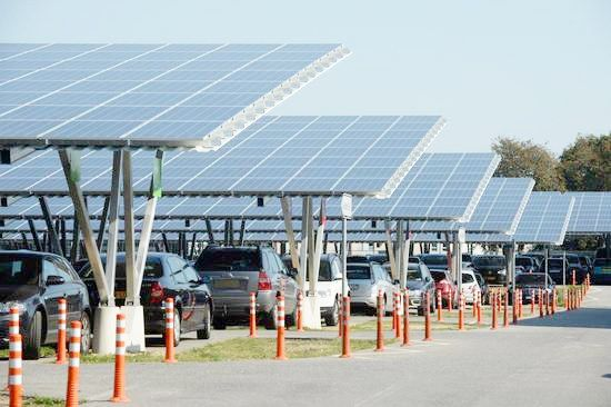 solarzellen berdachen jetzt parken am flughafen weeze. Black Bedroom Furniture Sets. Home Design Ideas