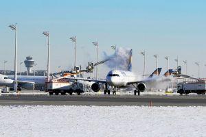 Flugzeugenteisung auf Hochtouren
