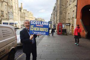 Ryanair steuert Warschau und Edinburgh an