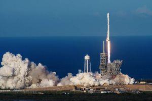 SpaceX startet erste Mehrweg-Rakete ins All