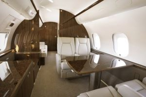 Kabinenmodifikation: Diwan im Businessjet