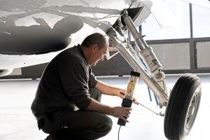 Upgrade: Magnaghi-Fahrwerk für Piaggio P.180 Avanti II