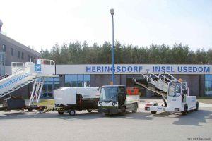 Flughafen Heringsdorf zeigt neues Equipment zum Saisonauftakt