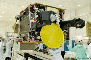 Hispasat 36W-1 für Regelbetrieb übergeben