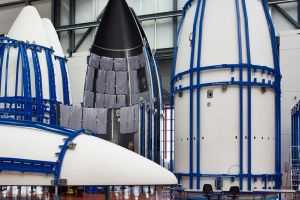 Verbundwerkstoff ohne Autoclaven: Fairing bewährt sich auf Ariane 5