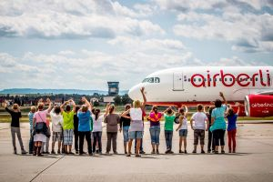 Ferienführungen am Stuttgart Airport – Kinderfest im August
