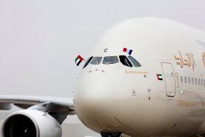 A380 von Etihad Airways hat Route nach Paris aufgenommen